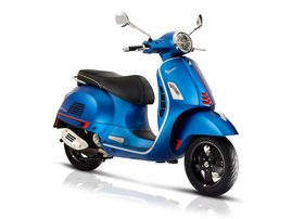 23 Vespa GTS SuperSport
